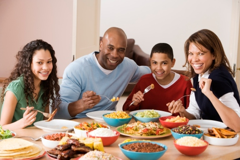 livewellmagazine_family_eating_photo