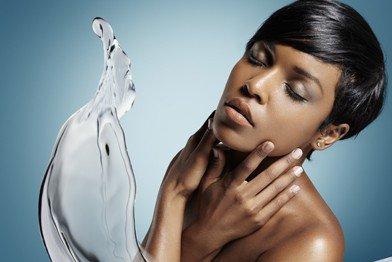 black-woman_beautiful-skin_water